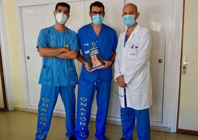 Traumatólogos del Hospital de Toledo publican el primer libro para médicos residentes con toda la patología ortopédica de pie y tobillo