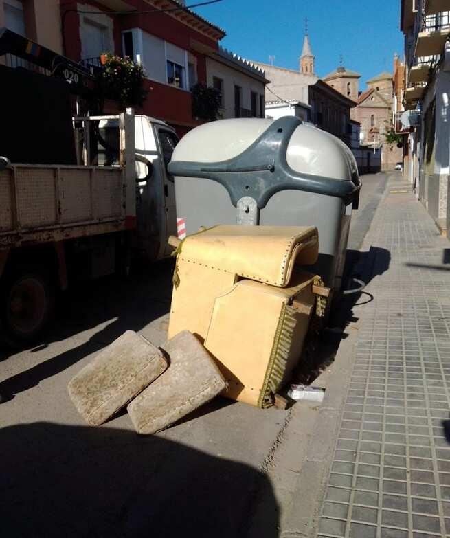 Se reactiva en Herencia  el servicio gratuito de recogida de enseres para mejorar la limpieza de las calles y el entorno municipal