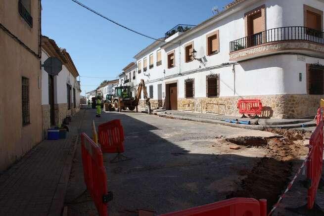 Continúa en El Toboso la renovando las redes de abastecimiento de agua