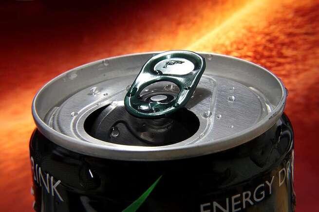 Alarma por los efectos peligrosos de las bebidas energéticas en jóvenes