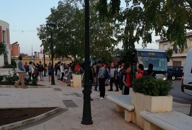 El Ayuntamiento de Poblete es pionero en la provincia en el control de la seguridad de la ruta de transporte de sus 154 estudiantes de la ESO