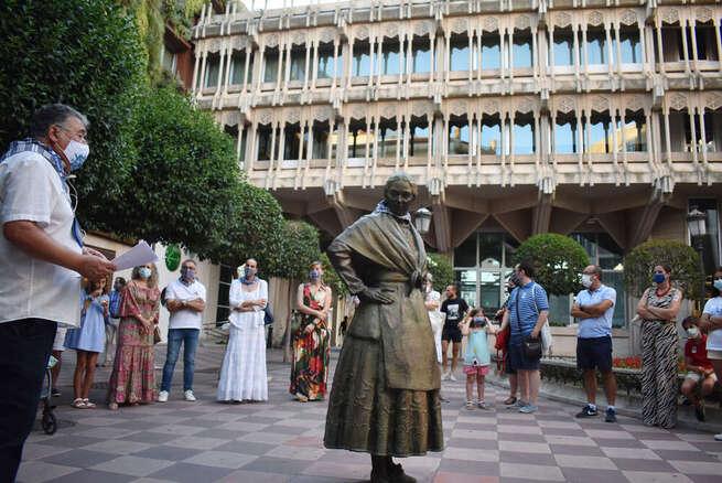 Don Quijote y Sancho guían al resto de escuderos en las visitas teatralizadas por Ciudad Real durante la Pandorga
