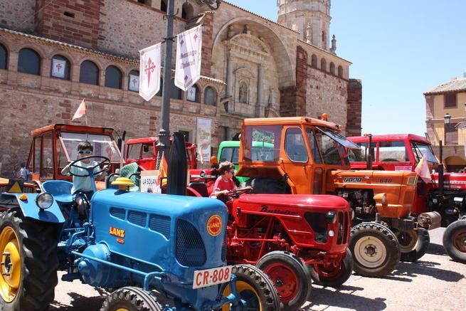 Imagen: Los tractores antiguos volvieron a recorrer las calles solaneras