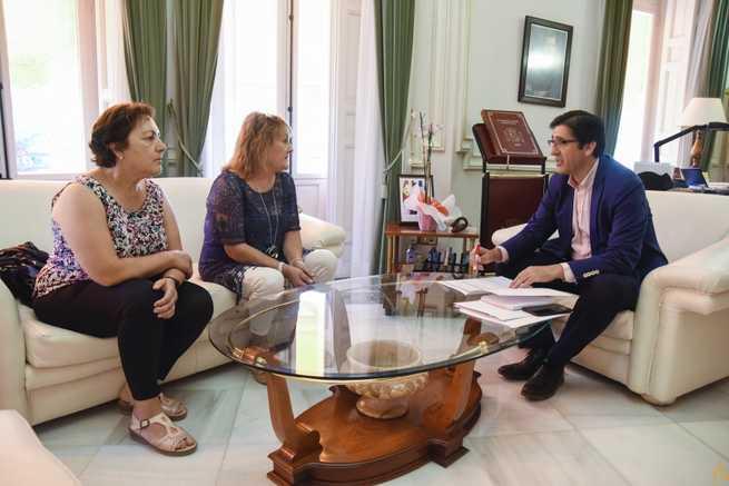 La alcaldesa de Valdemanco pide ayuda a la Diputación de Ciudad Real para averiguar la razón de la mala calidad del agua potable de su pueblo