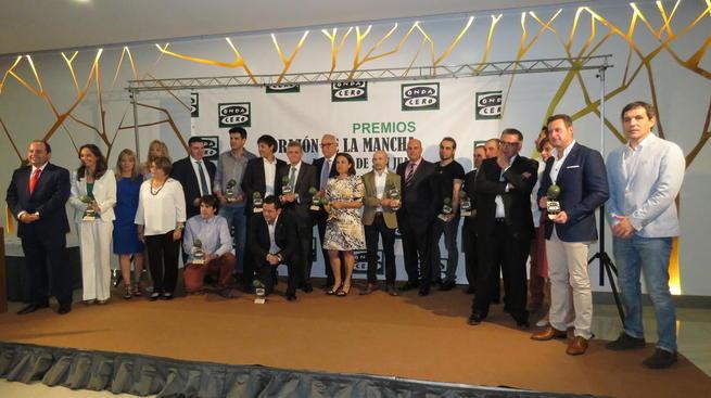 """Imagen: Julián Nieva recoge el Premio """"Corazón de La Mancha"""" de Onda Cero Radio, Premio Especial Comarcal a FERCAM Manzanares"""
