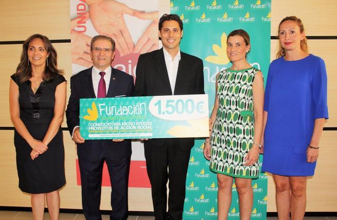 """Imagen: La Fundación Caja Rural Castilla-La Mancha reconoce la """"eficiente y brillante labor"""" de AJE Ciudad Real"""