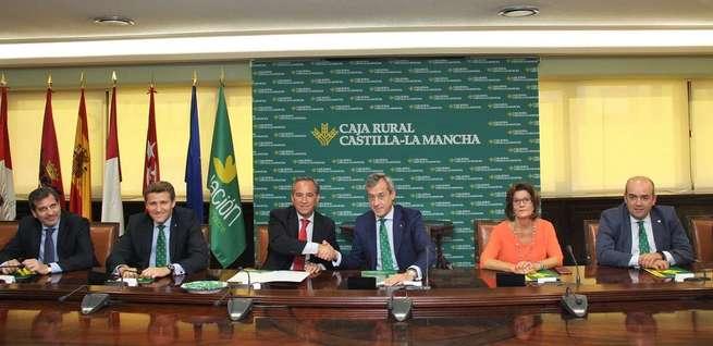 Caja Rural Castilla-La Mancha y Fedeto renuevan su convenio social para beneficiar a 40.000 empresarios