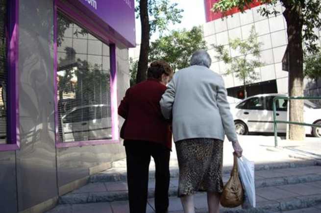 Suscribirán un convenio especial y gratuito para cuidadores no profesionales de personas dependientes