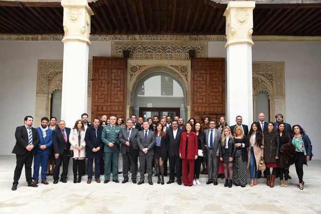 """El presidente de Castilla-La Mancha considera el racismo como """"una forma de populismo"""" y una expresión de la supremacía """"de los pueblos que se creen superiores"""""""