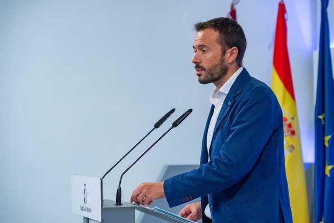 El Gobierno de Castilla-La Mancha retirará del Tajo la planta invasora del camalote para proteger el ecosistema del río