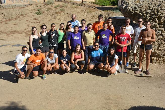 El Ayuntamiento de Toledo respalda la labor de los jóvenes que participan estos días en el adecentamiento del Circo Romano