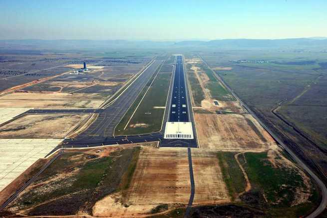 El Aeropuerto de Ciudad Real cada vez más cerca de reanudar su actividad