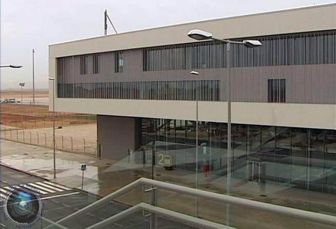 Imagen: García-Page afirma que trabajará con dueños del aeropuerto para crear empleo