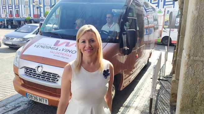 Cerca de 700 personas se suben al autobús turístico de las Fiestas del Vino de Valdepeñas