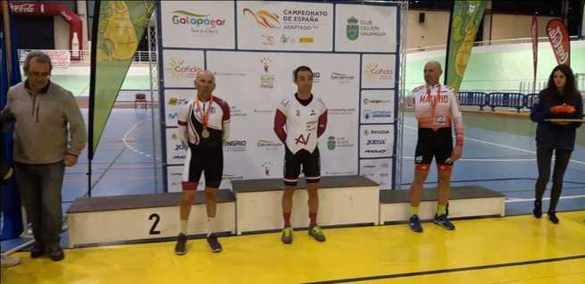 Los castellanomanchegos cierran con tres medallas y  buenas sensaciones su participación en el Campeonato de España de ciclismo adaptado en pista