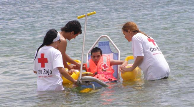Imagen: Cruz Roja pone en marcha el proyecto de baño adaptado