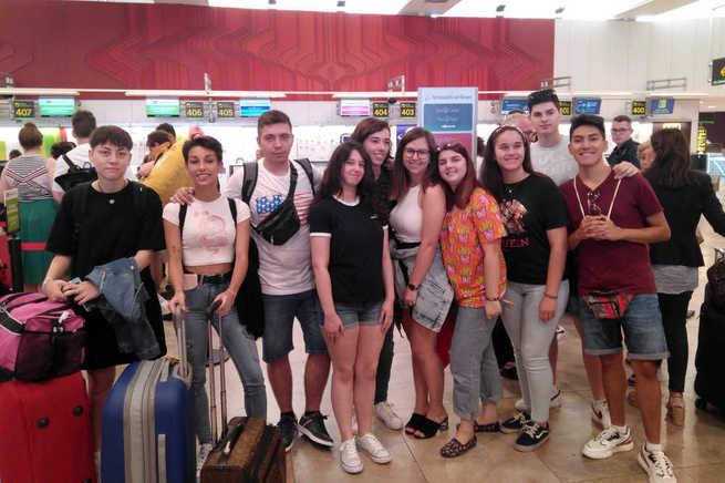 Ya están en Wimbledon, Worthing y Dublín los 30 jóvenes becados por el Ayuntamiento de Azuqueca para mejorar su inglés