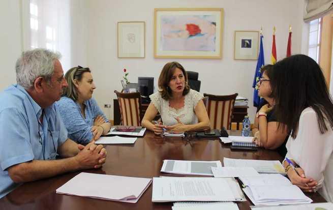 El Gobierno regional se interesa por los proyectos de FibroReal y los recursos que ofrece a los pacientes con fibromialgia y síndrome de fatiga crónica