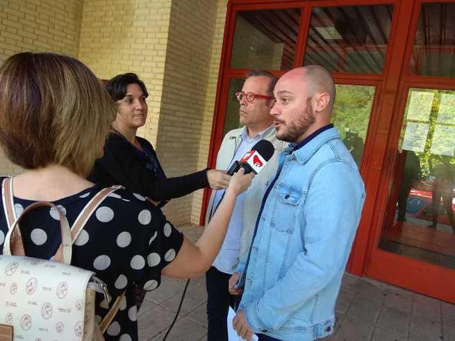 El PSOE reclama la reparación de la cubierta del pabellón de Almansa antes de continuar con las reformas