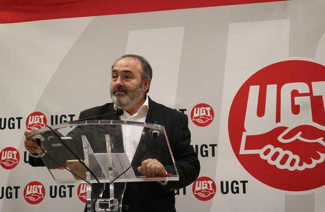Carlos Pedrosa dimite de la secretaría general agradeciendo lo que UGT y sus trabajadores le han aportado en 17 años de mandato