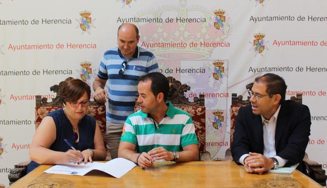 El Sescam impartirá sesiones prácticas a embarazadas y estimulación y masaje infantil a bebés en un local cedido por el Ayuntamiento de Herencia