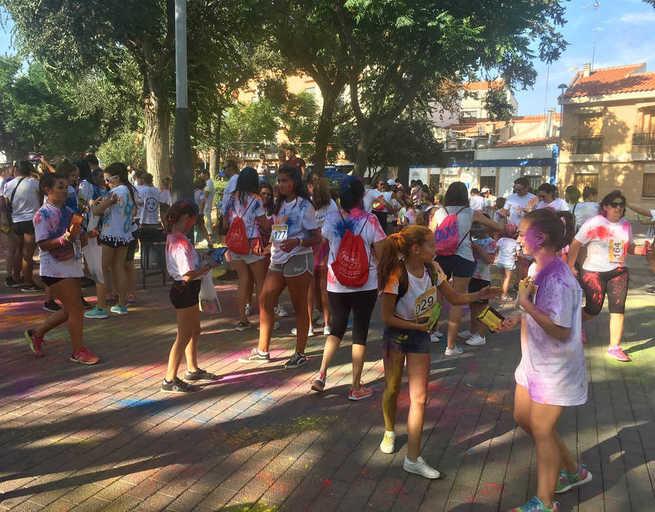 Éxito de participación en la Carrera de Polvos de Colores de Miguelturra
