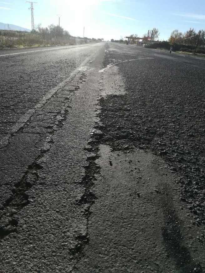 """El alcalde de El Torno exige que se agilice el arreglo de la carretera a Porzuna porque """"es tercermundista"""""""