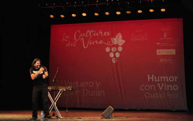 """Más de 900 personas llenaron el Teatro Quijano de Ciudad Real con """"La Cultura del Vino"""""""