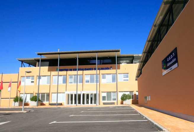 El SESCAM ha incrementado un 55 por ciento las consultas externas del Centro de Especialidades de Almadén desplazando a más facultativos