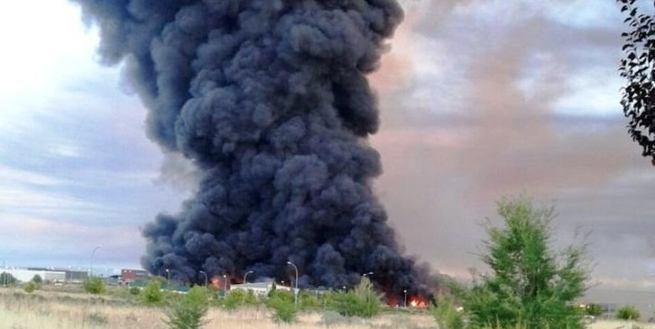 Continúan los trabajos en la extinción del incendio de Chiloeches con 117 efectivos sobre el terreno