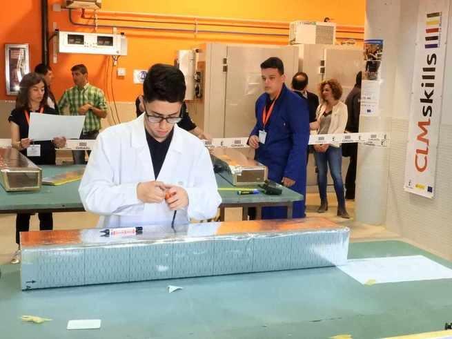 Javier Huertas, alumno del IES Azuer de Manzanares, gana el CLM Skills de refrigeración