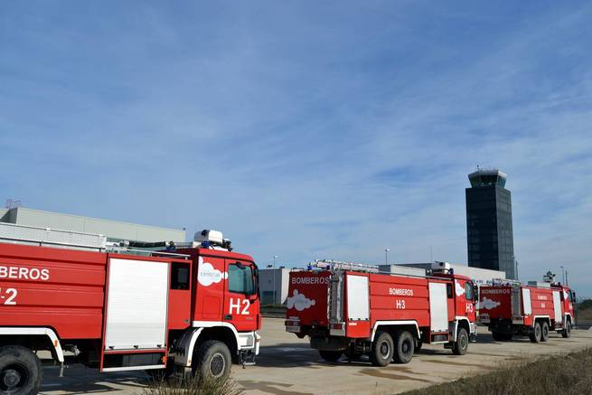 Desprecintan por orden judicial los vehículos contra incendios y salvamento del Aeropuerto de Ciudad Real