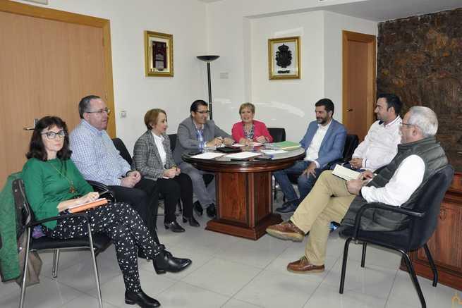 La Diputación de Ciudad Real apuesta por las posibilidades turísticas de Almadén con mejoras en la plaza de toros y con un área de servicio para caravanas