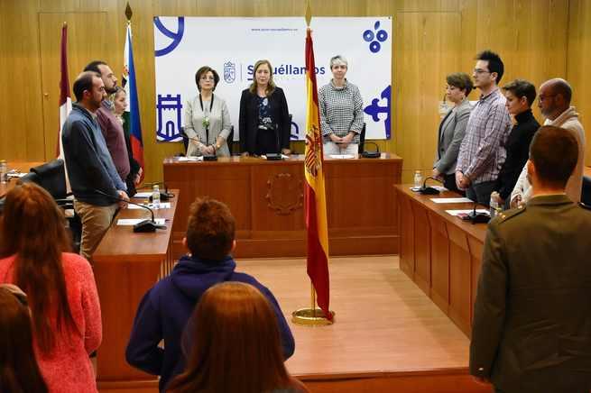 Colegios, Fuerzas Públicas y Corporación Municipal de Socuéllamos celebran el 40 aniversario de la Constitución
