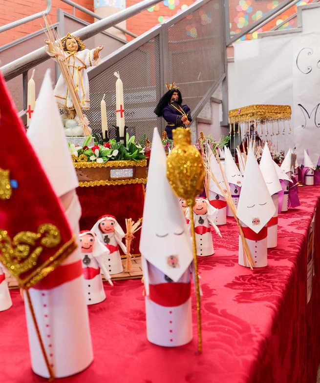 El Colegio 'Maestro Juan de Ávila' recrea, pasito a pasito, todos los detalles de la Semana Santa de Almodóvar del Campo