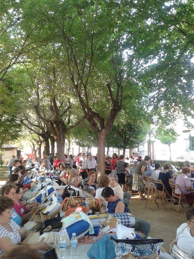 Bolaños celebra su X Encuentro de Encajeras con participantes provenientes de Castilla-La Mancha y de fuera de la región