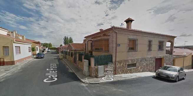Herido un hombre de 72 años tras la explosión de una bombona de butano en una unifamiliar de Carriches