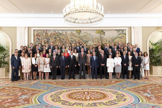 Imagen: El presidente del Consejo General de Colegios Farmacéuticos traslada a S.M. el Rey el compromiso de la Profesión con la mejora de la Salud de los españoles