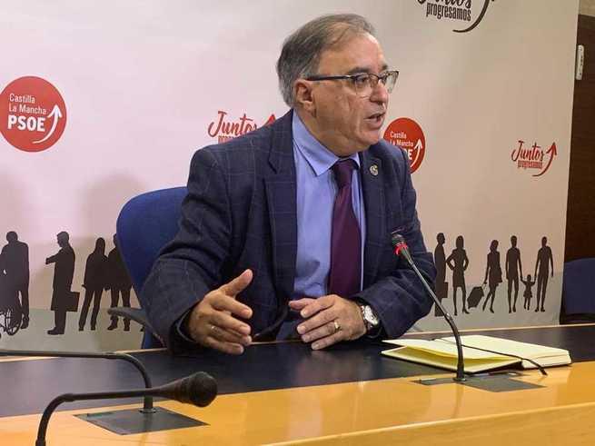 """""""Quienes aparecieron en la vida política con la idea de regenerar han demostrado que lejos de aportar, lo que han hecho ha sido obstaculizar"""", dice Mora"""