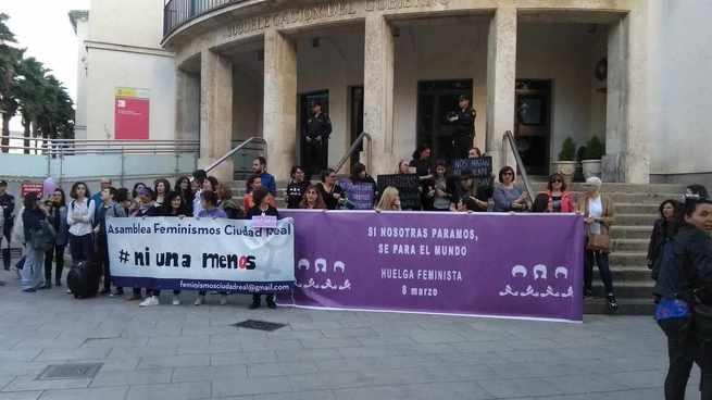 Asociaciones feministas de Castilla-La Mancha se movilizan para pedir compromiso y presupuesto contra las violencias machistas