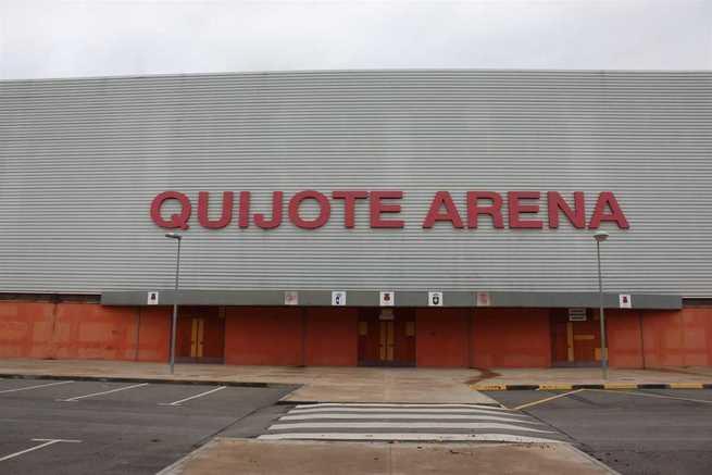 Prohíben en Ciudad Real la entrada 12 meses a los campos a un aficionado que intentó entrar con una bengala en el Quijote Arena