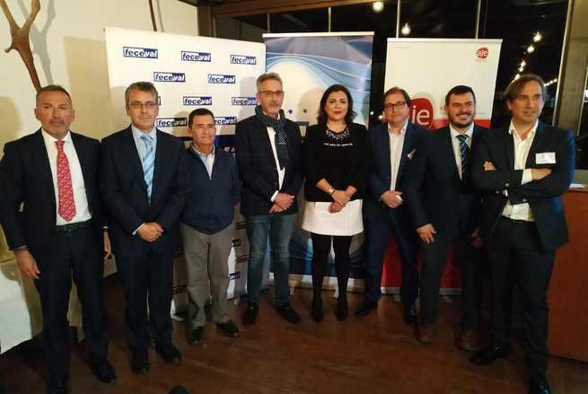 El Alcalde de Valdepeñas acompaña a un centenar de empresarios en su introducción a la FP Dual