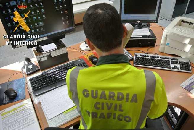 La Guardia Civil de Ciudad Real investiga al conductor de un vehículo articulado por conducción temeraria