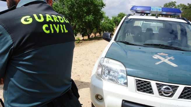 La Guardia Civil detiene a una persona por tenencia ilícita de armas en una zona cercana a Anchuras y Badajoz
