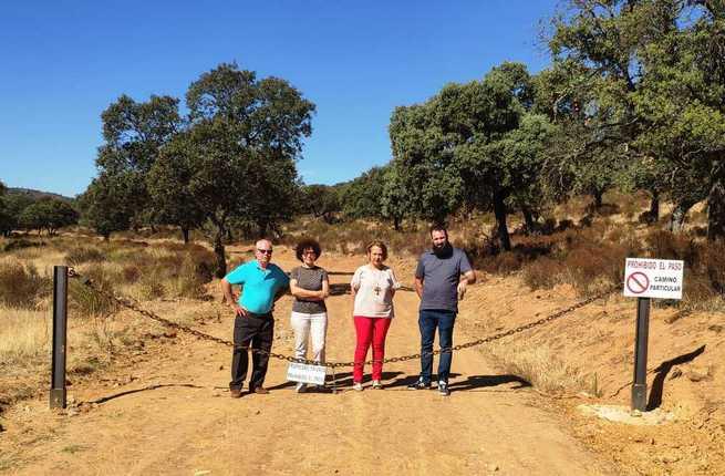 El PSOE se interesa por el cierre del camino que une San Benito y Minas de Horcajo