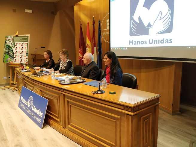 Manos Unidas presenta la campaña de su 60 aniversario en el Salón de Actos de la Diputación de Albacete