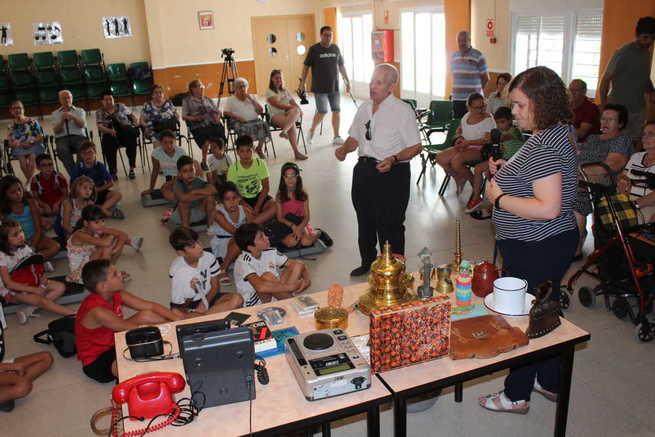 El Centro de Mayores de Alcázar celebra el día del Abuelo