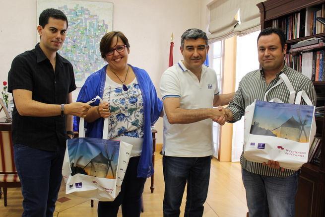 El Gobierno de Castilla-La Mancha expresa el mayor de los éxitos al dúo Belcorde en su nueva gira por Estados Unidos