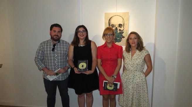 """Victoria Gallego y Laura Márquez """"unen lazos"""" con textos e ilustraciones"""