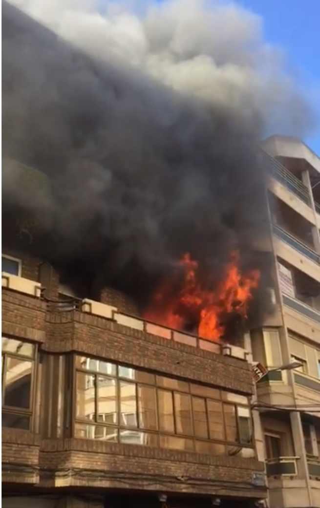 Dos personas tienen que ser rescatadas por los bomberos tras quedar atrapadas en un incendio en Ciudad Real